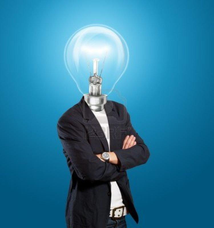 12547501-concepto-de-idea-el-empresario-cabeza-de-la-lampara-tiene-una-idea