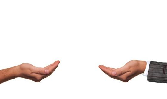 hands-462296_640