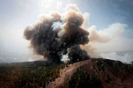 Imagen-aérea-incendio-Forestal-en-La-Palma-1